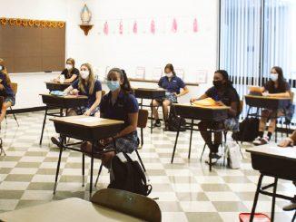 school mask Boris Johnson