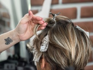 How to make blonde highlights at home