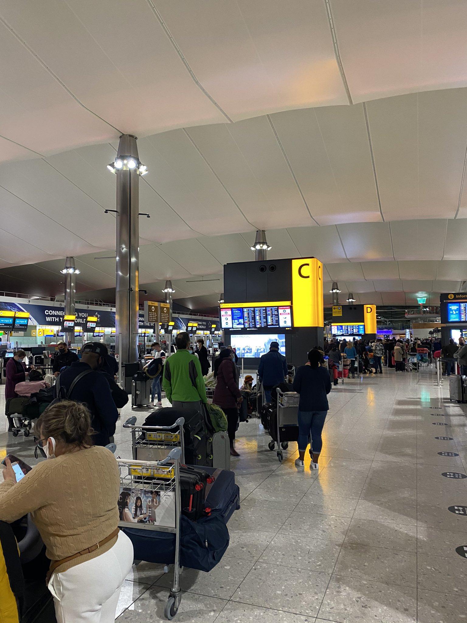 queues at heathrow airport