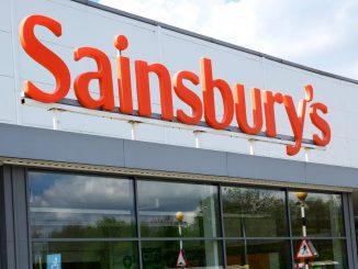 Sainsbury's and Morrisons enforce mask-wearing