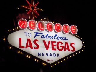 Enjoy the Very Best of Vegas on a Budget